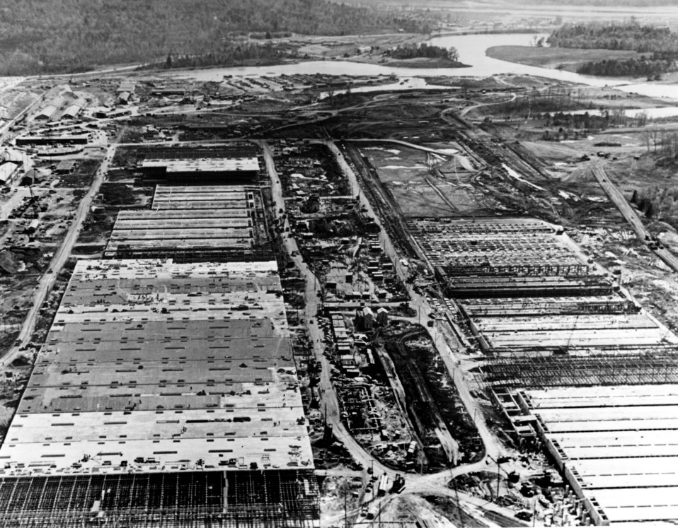 Early construction of 'U' K-25 Oak Ridge