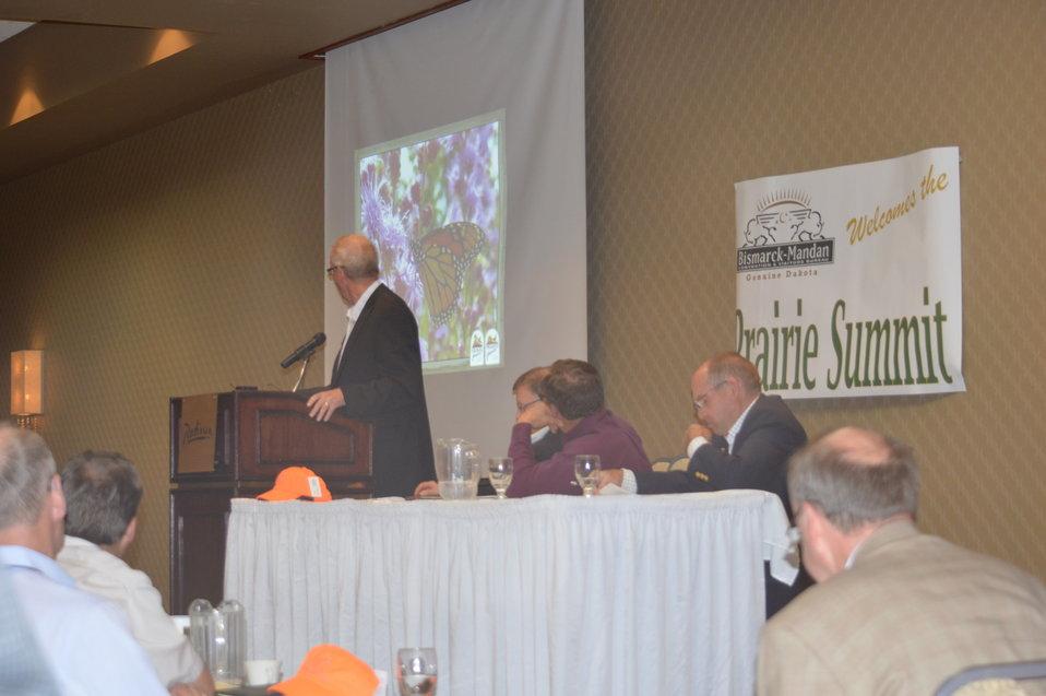 Dave Nomsen presenting at the Prairie Summit