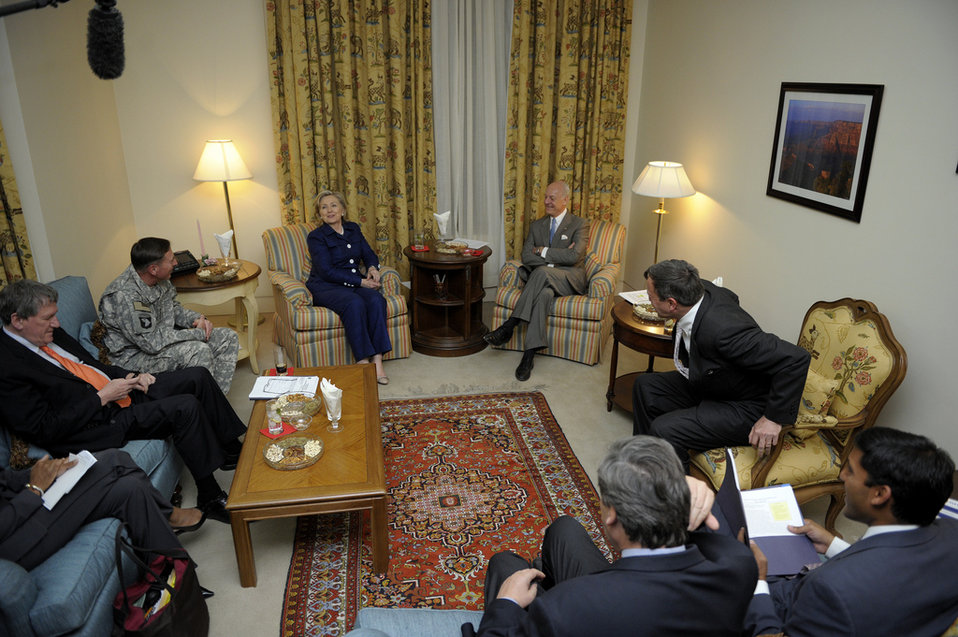 Special Representative Holbrooke, General Petraeus, Secretary Clinton, UN Envoy Stefan di Mistura, Ambassador Eikenberry, and USAID Administrator Shah Gather for a Meeting
