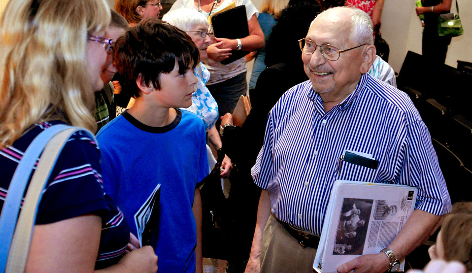 Holocaust Remembrance Program FEW Arthur Pais at AMSE in Oak Ridge