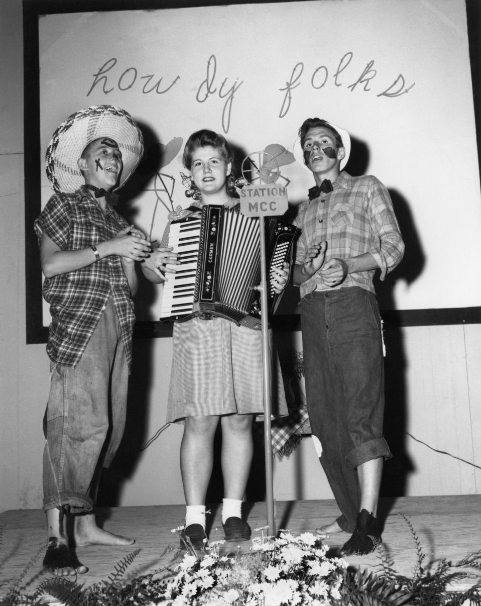 Play at Midtown Community Bldg. Oak Ridge 1945
