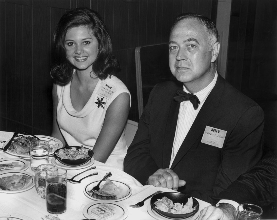 State of Tennessee - Atomic Energy Commission Oak Ridge 25 Miss Tennessee  Alexander Inn Oak Ridge