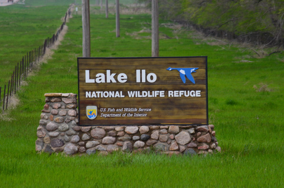 Lake Ilo National Wildlife Refuge sign