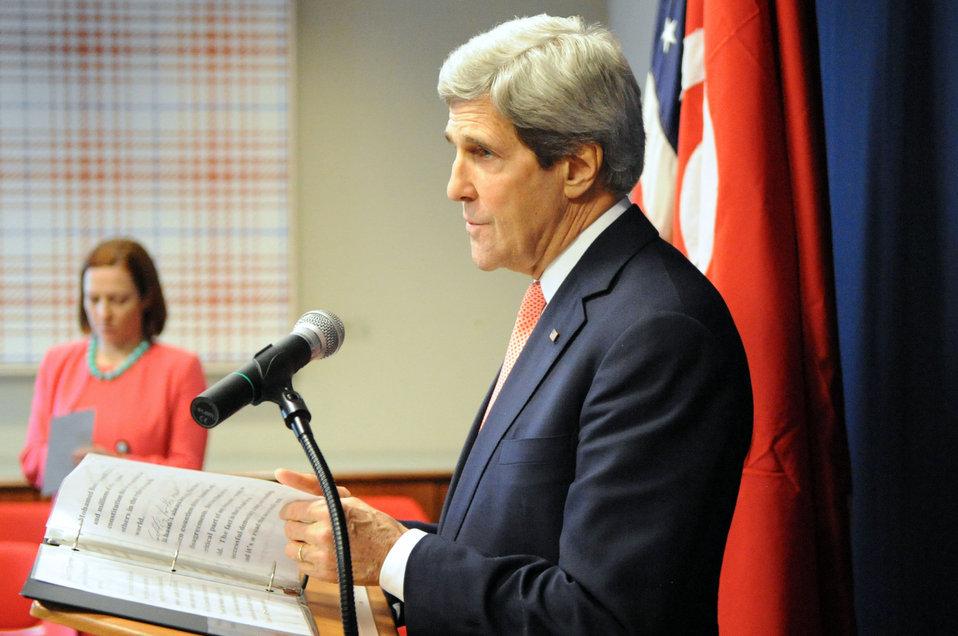 Secretary Kerry, Spokesperson Psaki Conduct News Conference in Tunisia