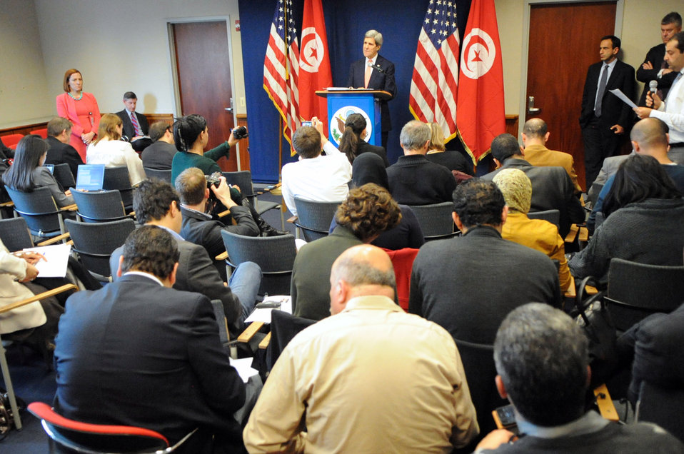 Secretary Kerry Addresses U.S., Tunisian Reporters at New Conference