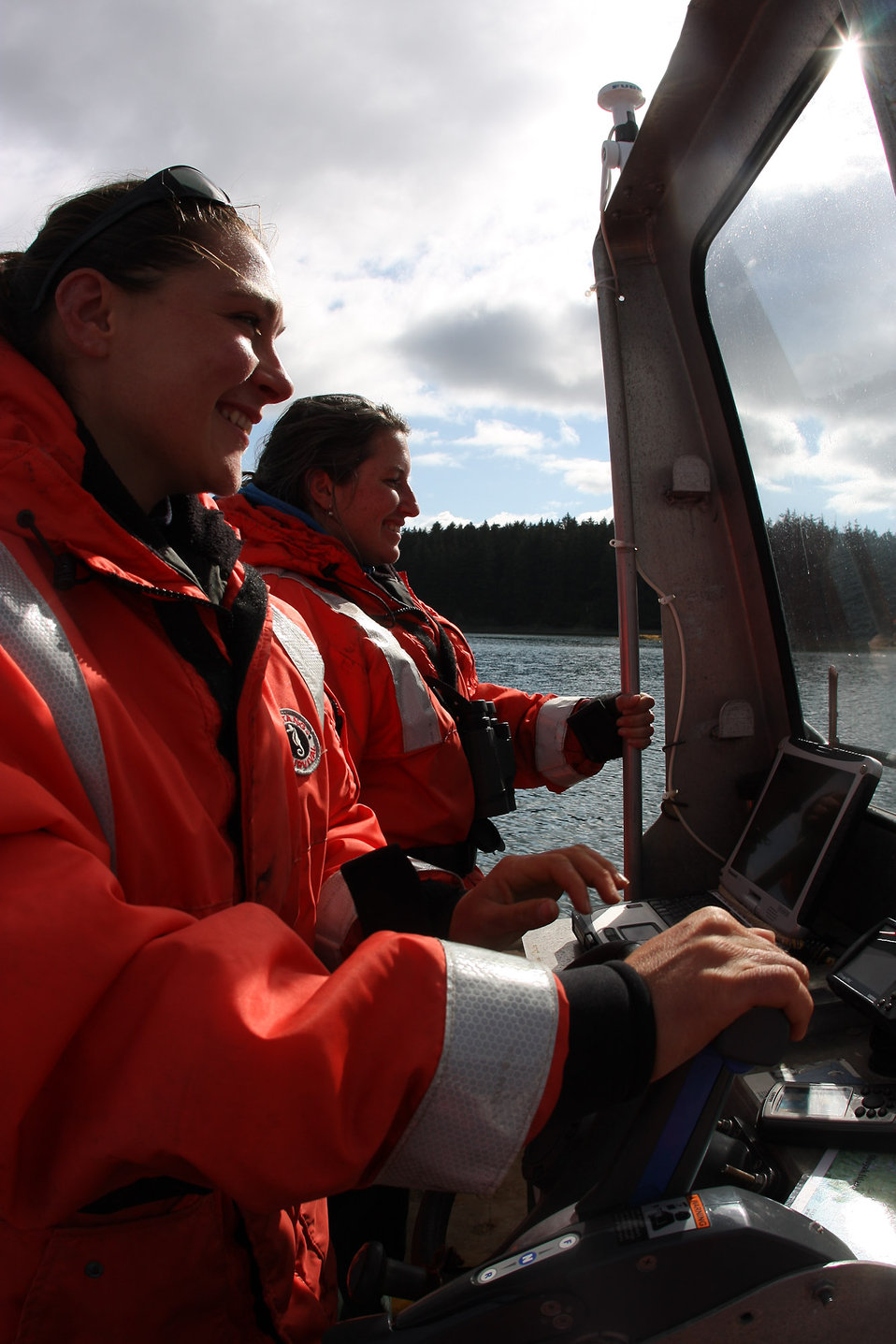 Volunteers conduct seabird surveys by skiff
