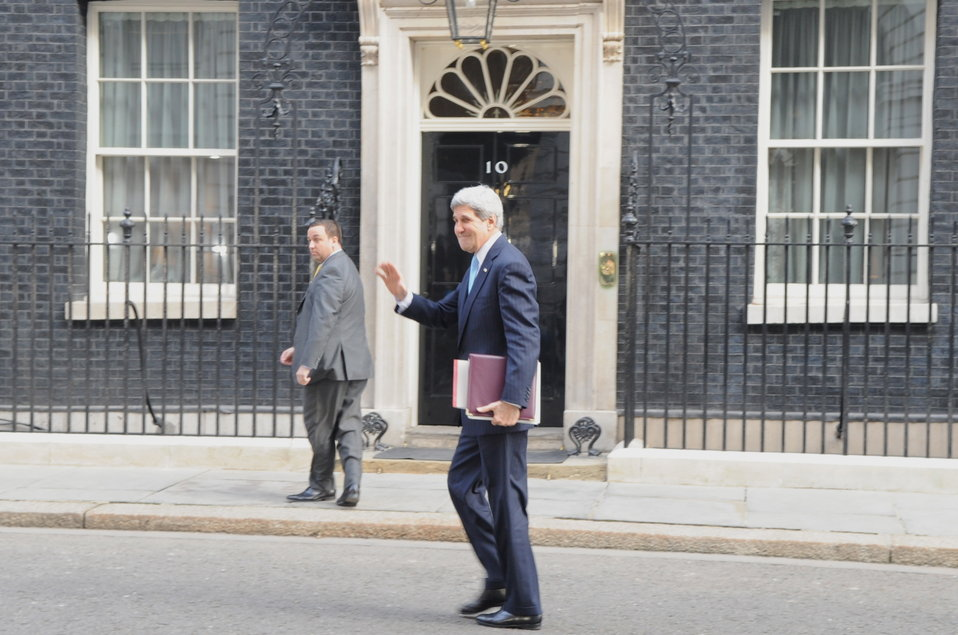 Secretary Kerry Arrives in London to Meet British Prime Minister Cameron