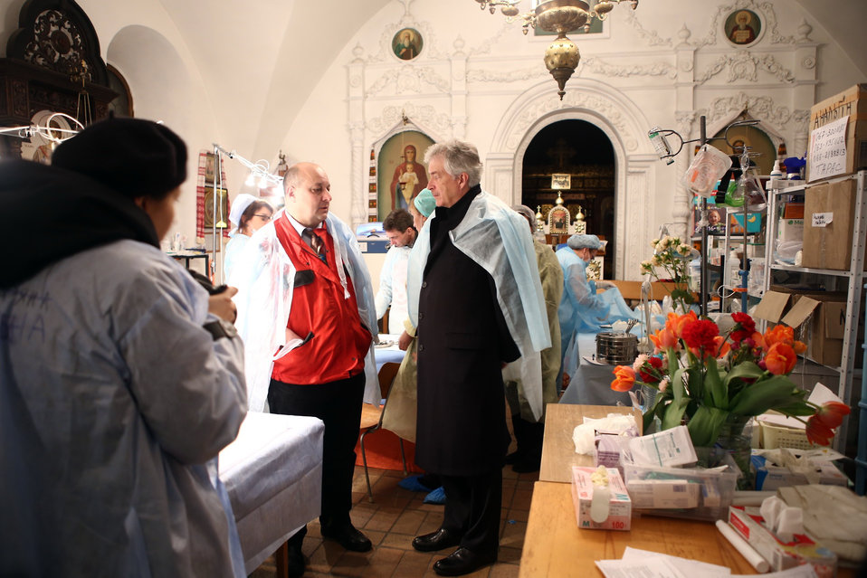 Deputy Secretary Burns Meets With Maidan Medics at St. Michael's Cathedral