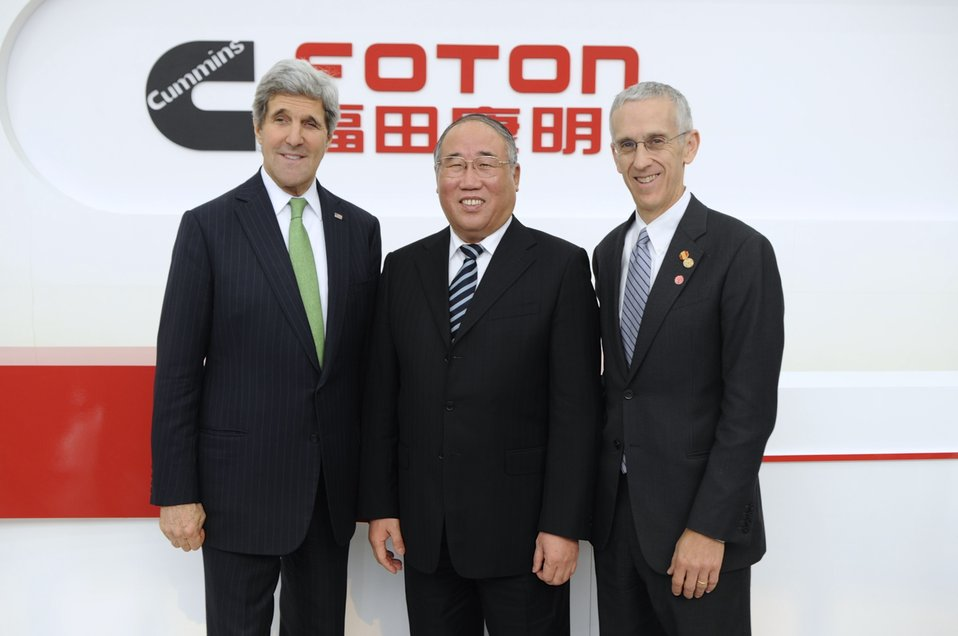 Secretary Kerry Poses With Chinese National Development Vice Chairman Xie and Special Envoy Stern