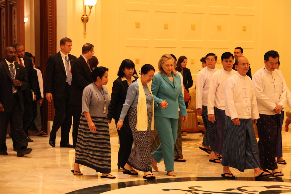 Secretary Clinton Meets With Burmese First Lady Daw Khin Khin Win