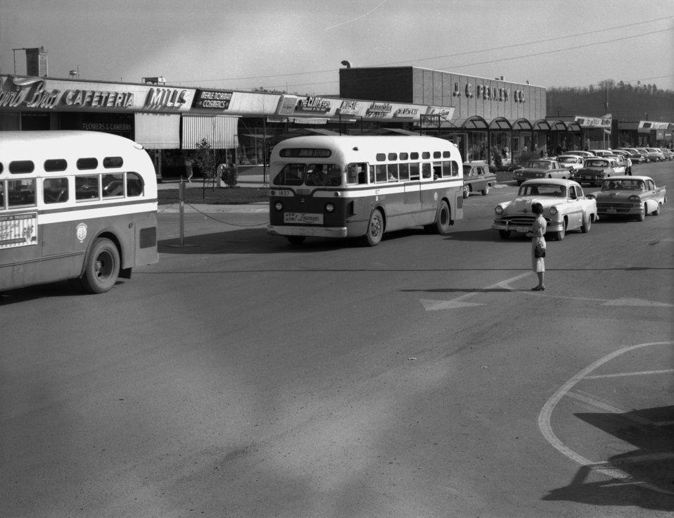 Traffic Downtown Center Oak Ridge
