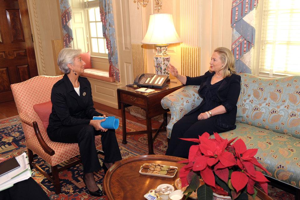 Secretary Clinton Meets With IMF Managing Director Lagarde