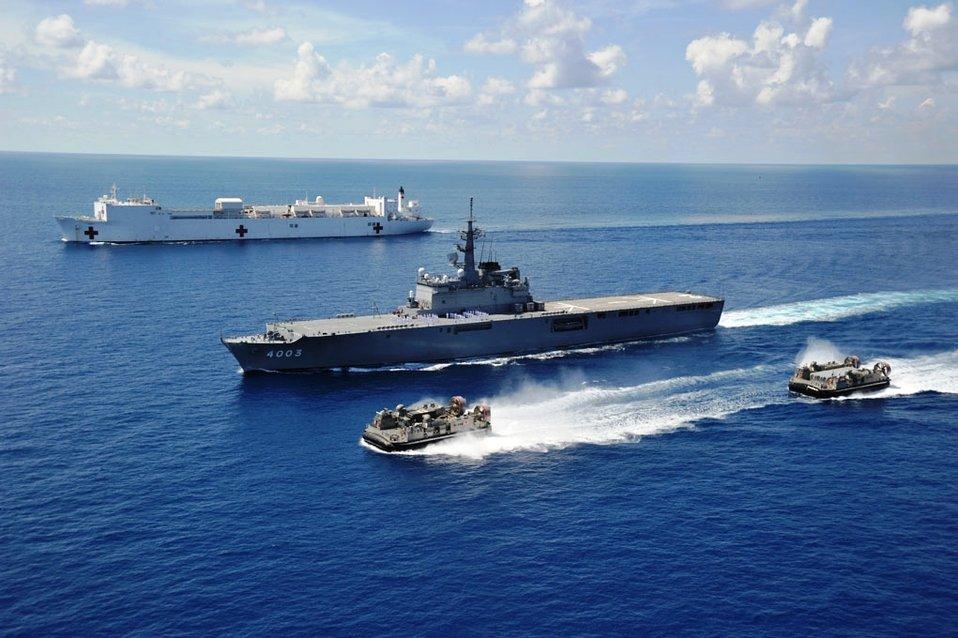 JDS Kunisaki and USNS MERCY Sail