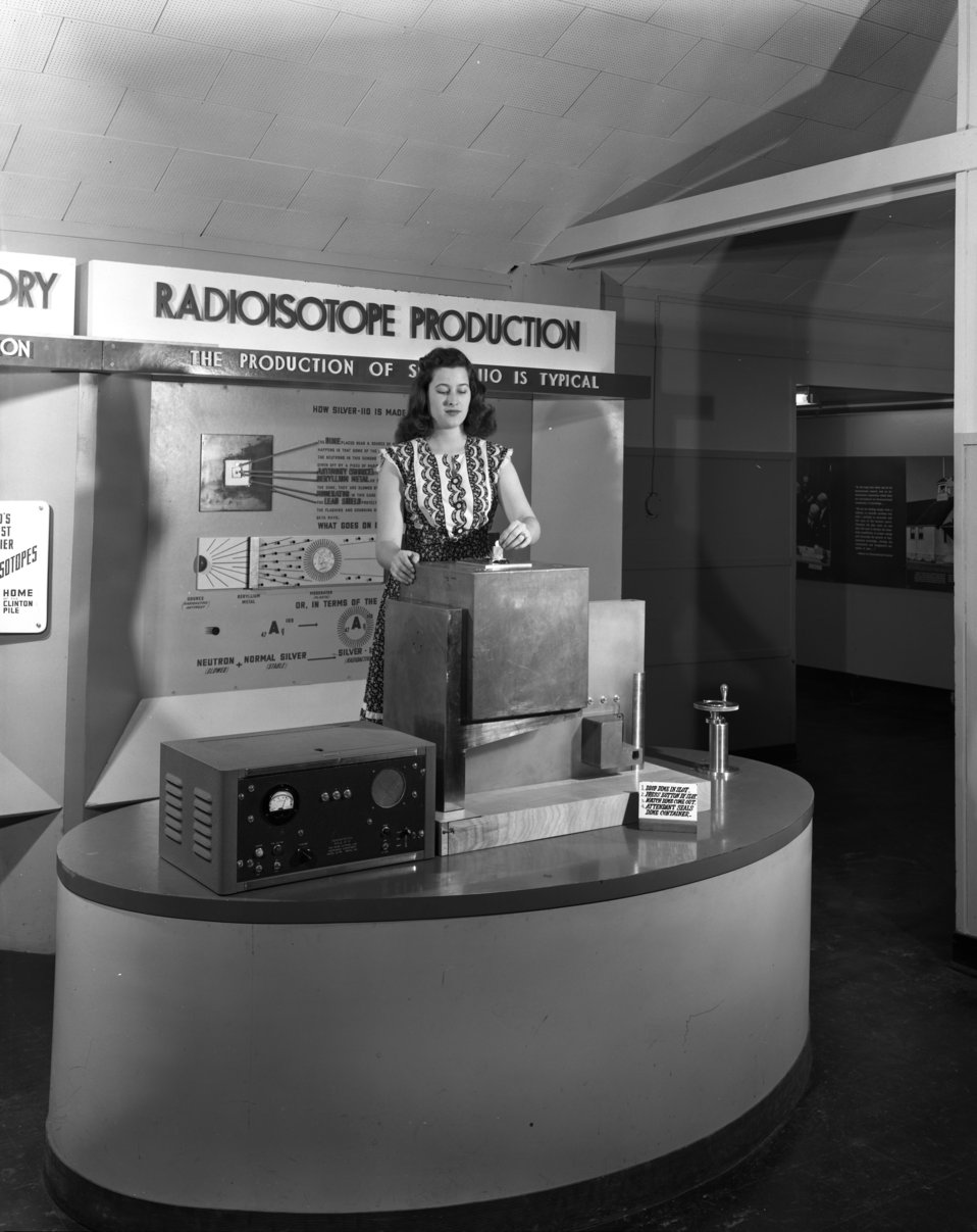 Radiosotope Display AMSE Oak Ridge 1949