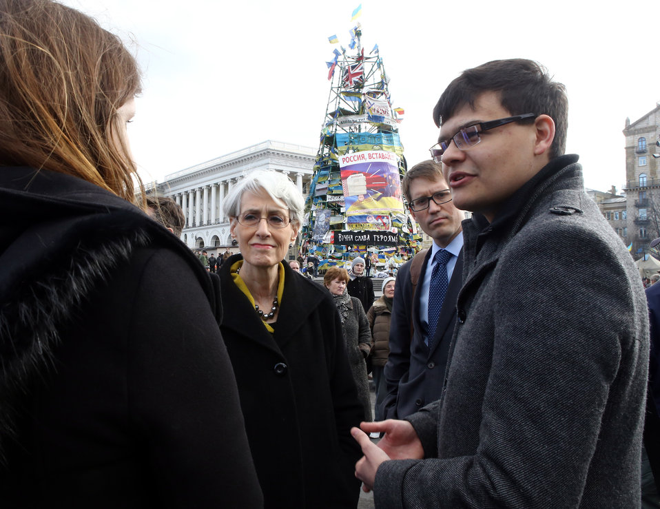 Under Secretary Sherman Meets With Civil Society Representatives in Kyiv