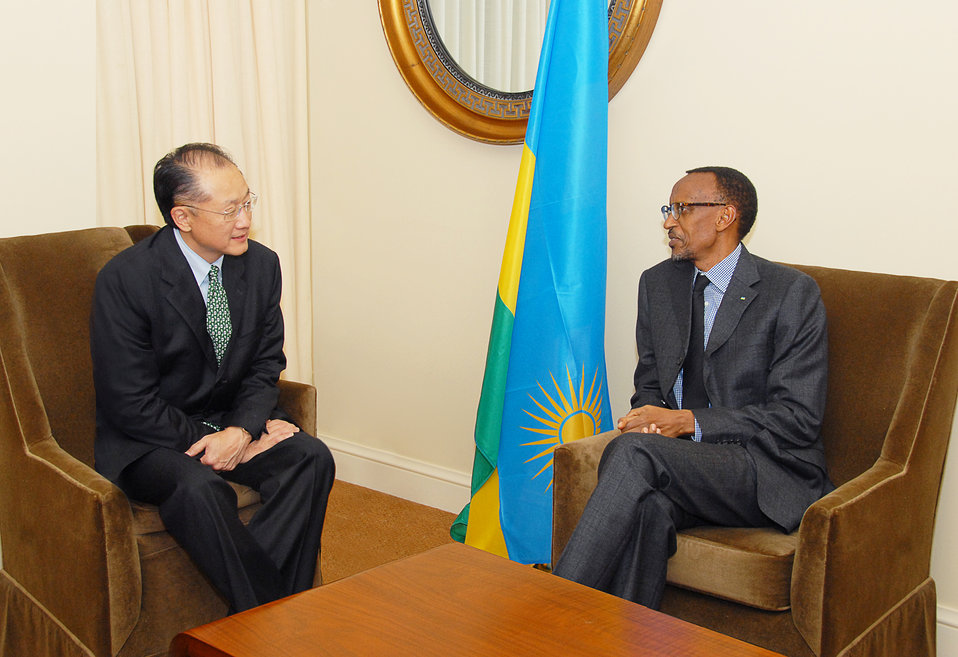 Dr. Jim Yong Kim meeting with Rwandan President Paul Kagame