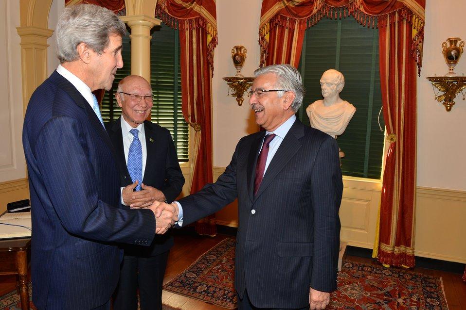 Secretary Kerry Greets Pakistani Minister Khawaja Muhammad Asif
