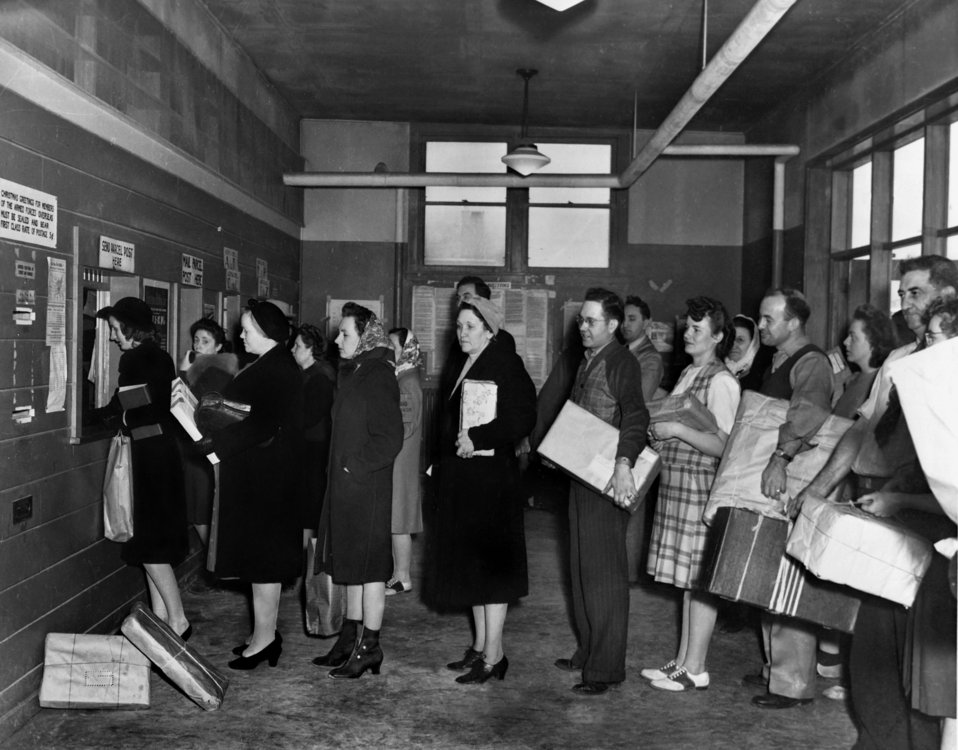 Oak Ridge Post Offices at Christmas Rush