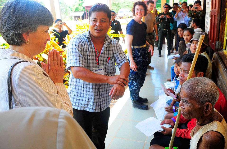 Ambassador Rodley Greets Medical Patients