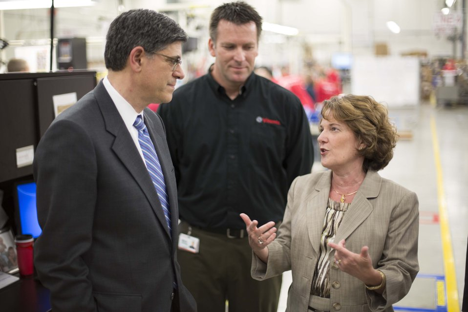 Secretary Lew tours Vitamix manufacturing facility during trip to Cleveland, Ohio