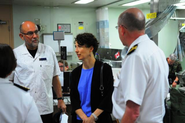 Consul General Bauer and FSO Weinz Tour the Surgical Department