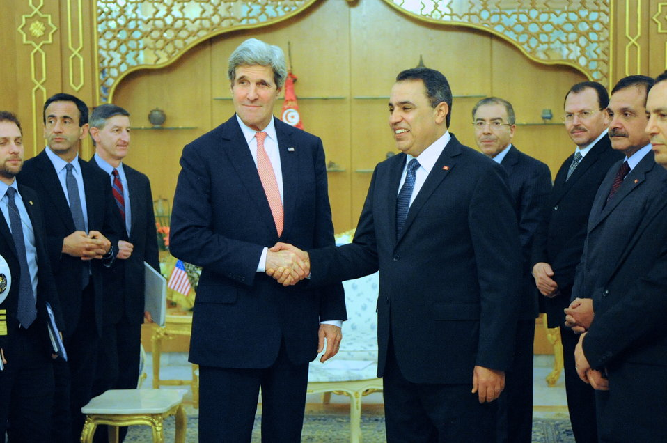 Secretary Kerry is Greeted by Tunisian Prime Minister Joma'a in Carthage