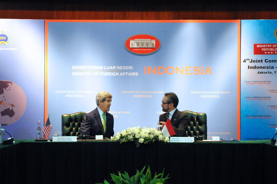 Secretary Kerry Speaks With Indonesia Foreign Minister Natalegawa Before Joint Commission Meeting in Jakarta