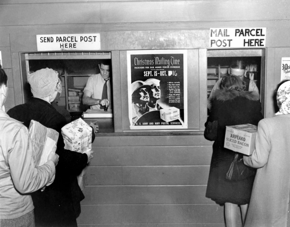 Post Office at Christmas Time Oak Ridge 1944