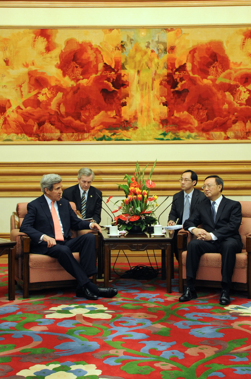 Secretary Kerry Meets With Chinese State Councilor Yang
