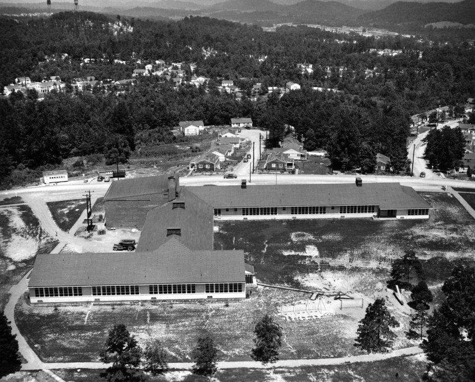 Cedar Hill Elementary School Oak Ridge 1945