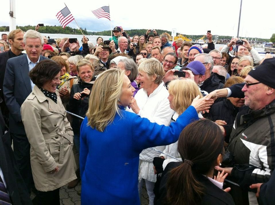 Secretary Clinton Greets Residents of Vaxholm