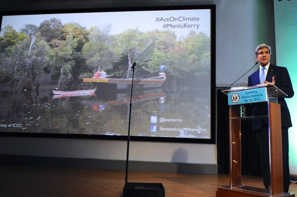 Secretary Kerry Delivers Climate Change Speech in Jakarta