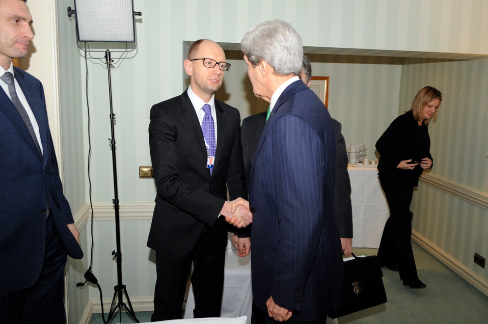 Secretary Kerry Meets Fatherland Party's Yatsenyuk Before Session with Ukranian Opposition Leaders