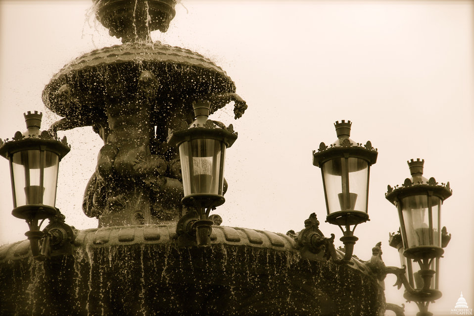 Closeup of the lanterns on the Bartholdi Fountain