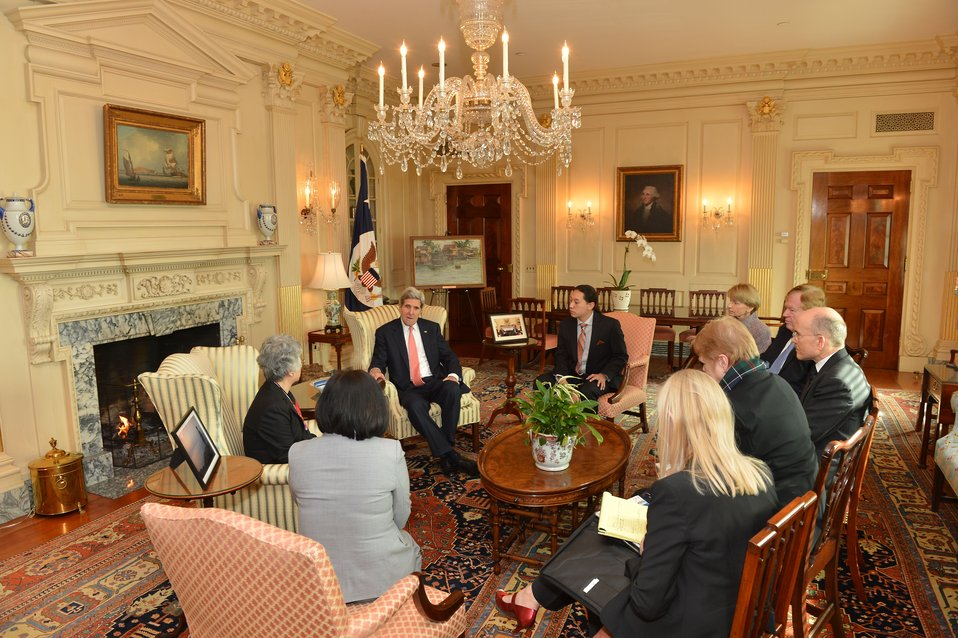 Secretary Kerry Meets With the Family of Kenneth Bae