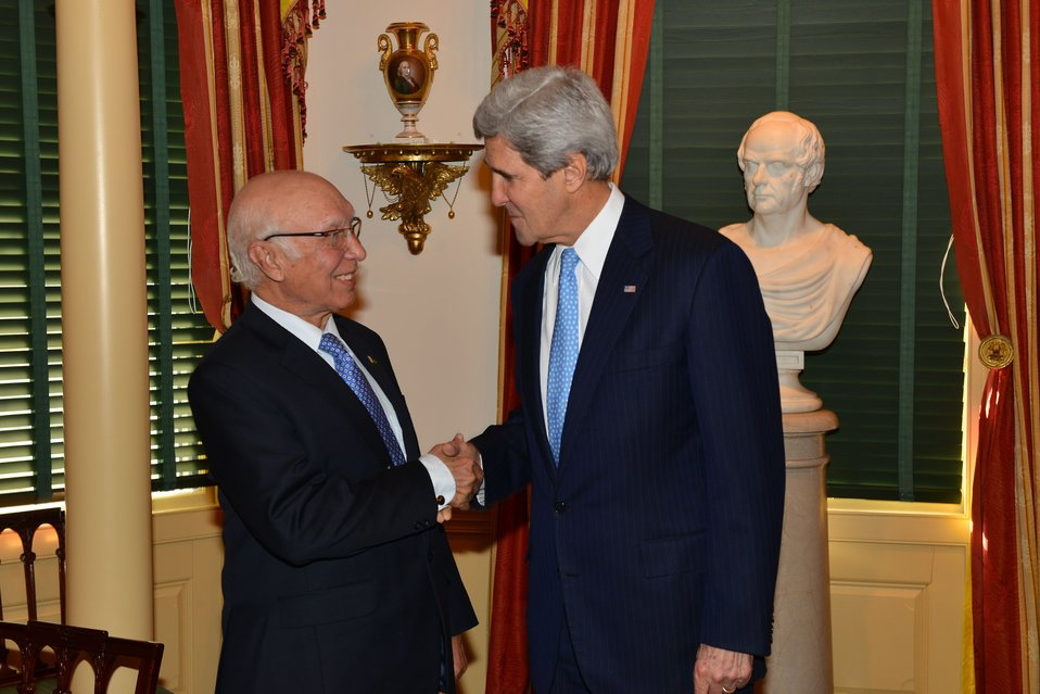 Secretary Kerry Greets Pakistani National Security and Foreign Affairs Advisor Aziz