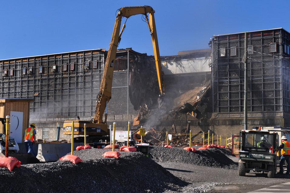 K-25 Beginning of North Tower Demolition