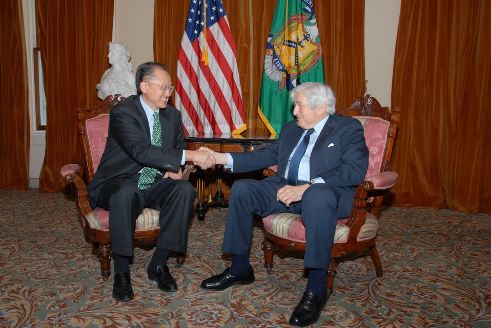 Dr. Jim Yong Kim meeting with former World Bank President James Wolfensohn