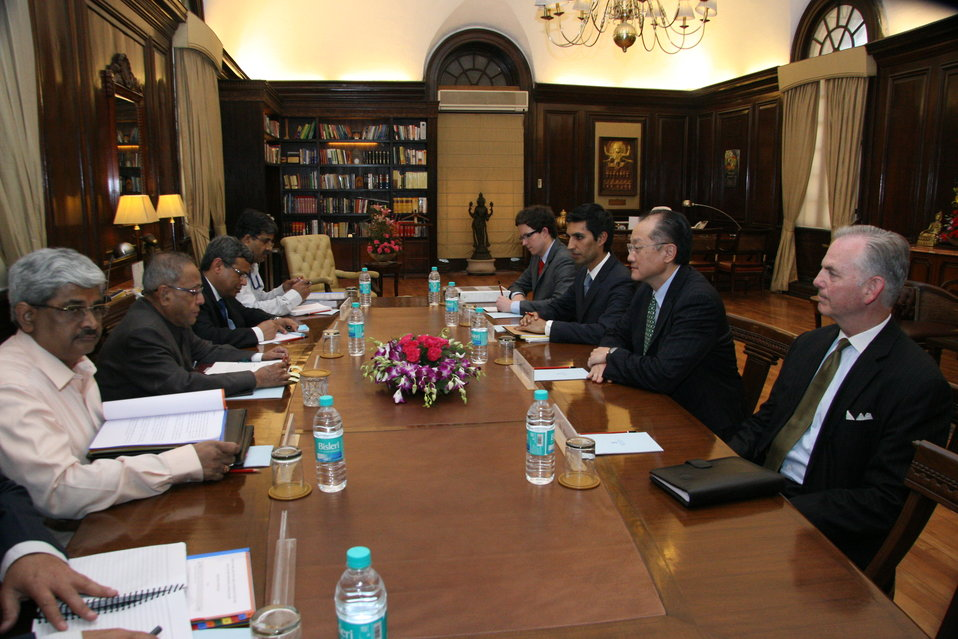 Dr. Jim Yong Kim Meeting with Indian Finance Minister Pranab Mukherjee