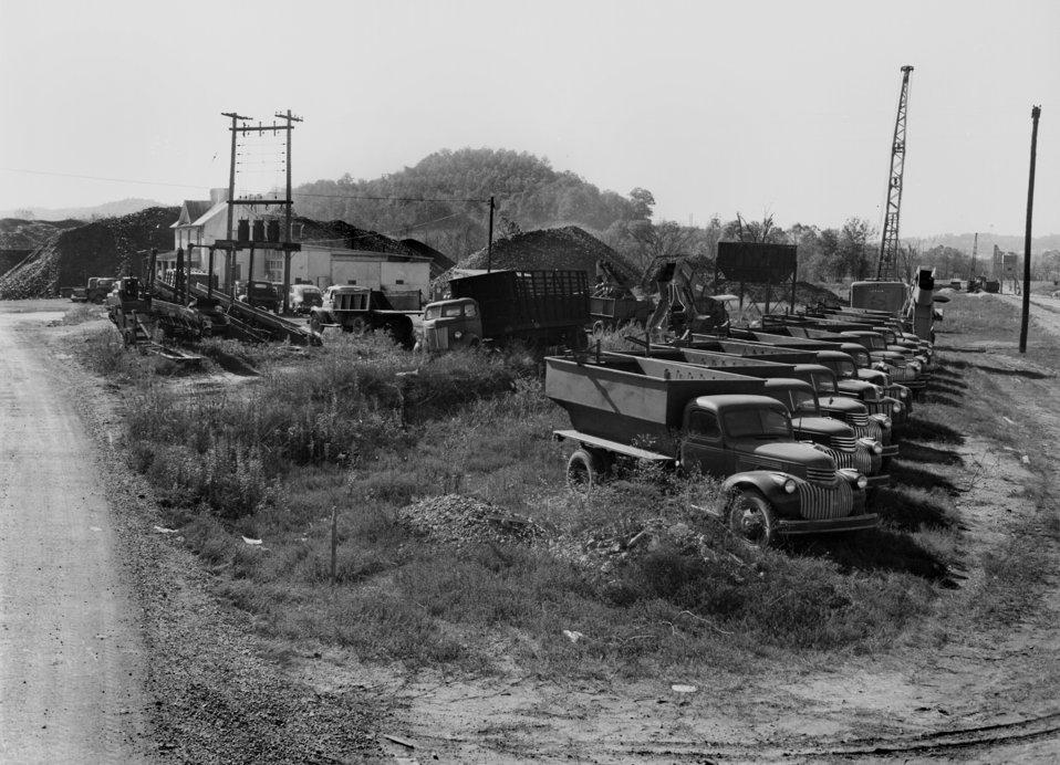 Coal Yard Gamble Valley  Oak Ridge