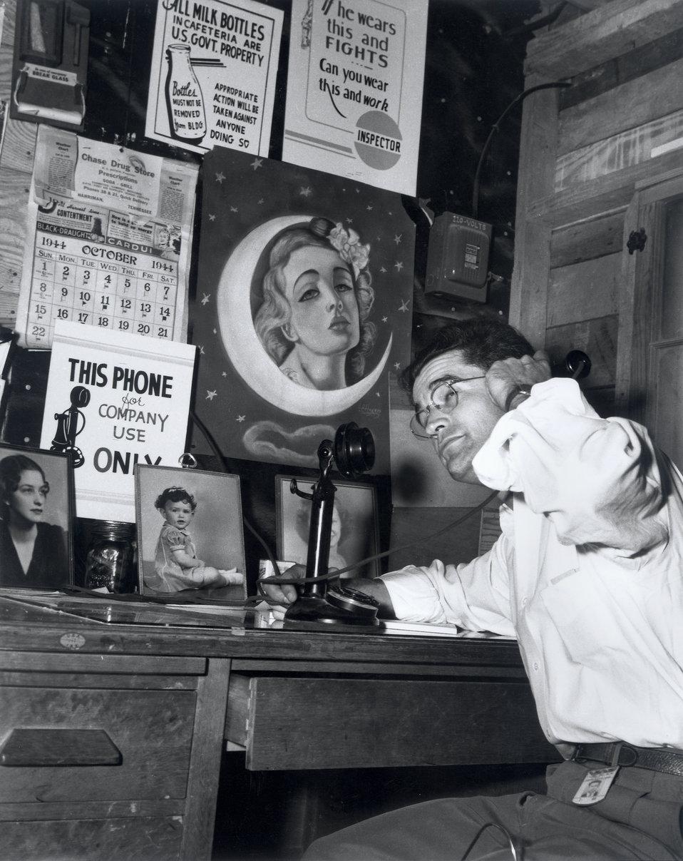 Man On Telephone  Oak Ridge