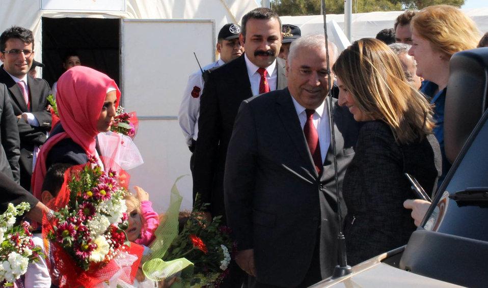 Deputy Secretary Higginbottom and Assistant Secretary Richard Arrive at a Syrian Refugee Camp