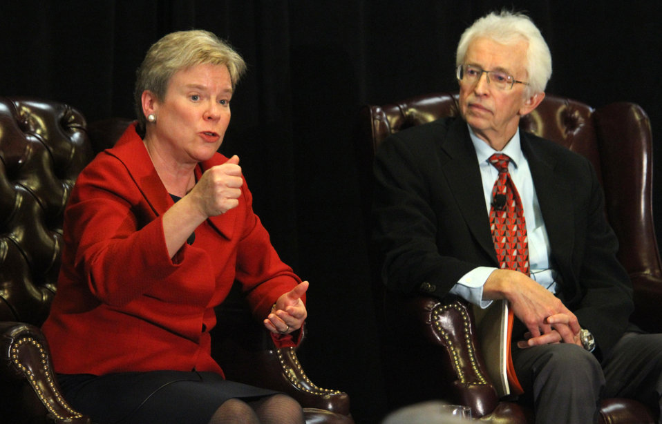 Assistant Secretary Gottemoeller and Dr. Hecker Discuss Arms Control