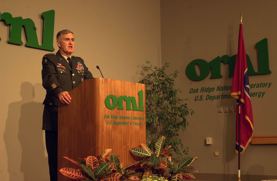Gen. Shelton Visit to Oak Ridge National Lab. ORNL