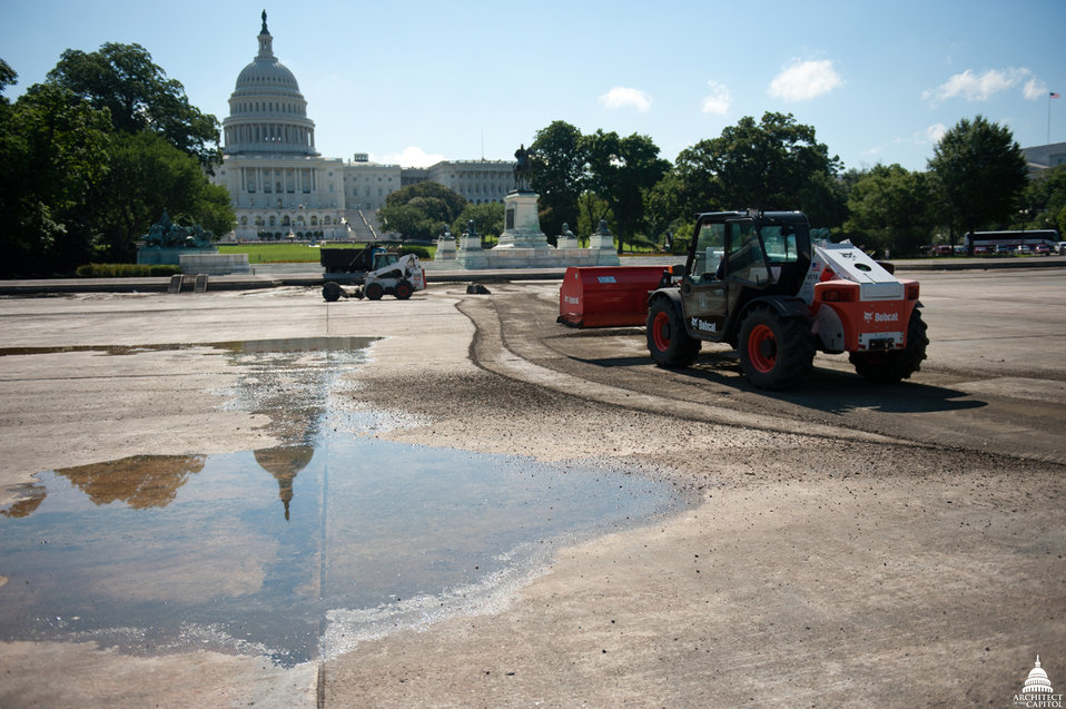 Capitol Reflecting Pool Clean-up