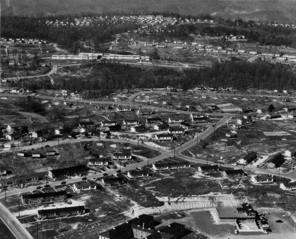 Air View West Village, Linden School Oak Ridge