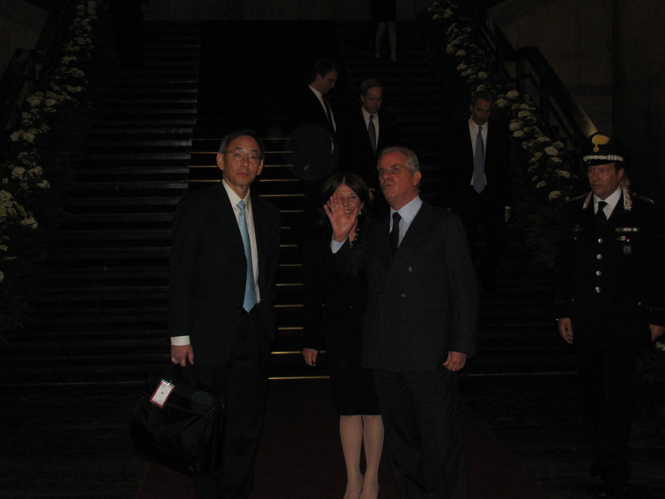 On steps with Italian Energy Minister 2