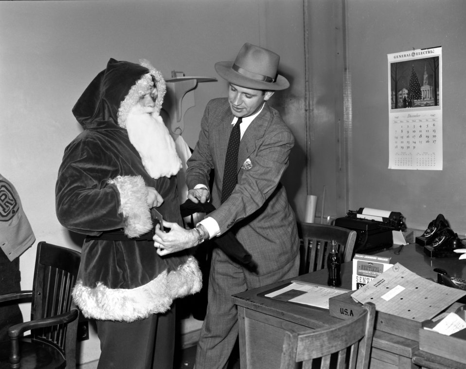 Santa Claus Oak Ridge 1947