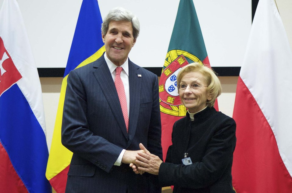 Secretary Kerry Meets With Italian Foreign Minister Bonino