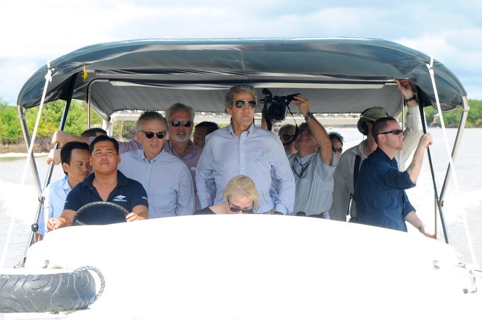 Secretary Kerry Tours Mekong River Delta